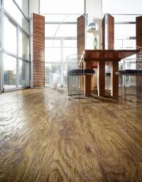 Jak na pokládku lepené vinylové podlahy Moduleo®