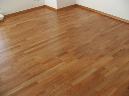 Dřevěné třívrstvé plovoucí podlahy