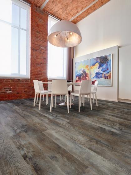 Pokládka lepené vinylové podlahy Moduleo®