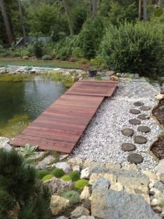 Venkovní terasa, lavička, víko na studnu