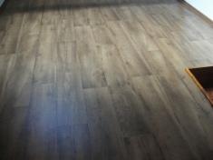 Pokládka vinylové podlahy - celoplošné lepení
