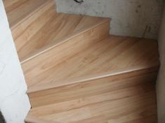 Laminátová podlaha - Obložení schodů